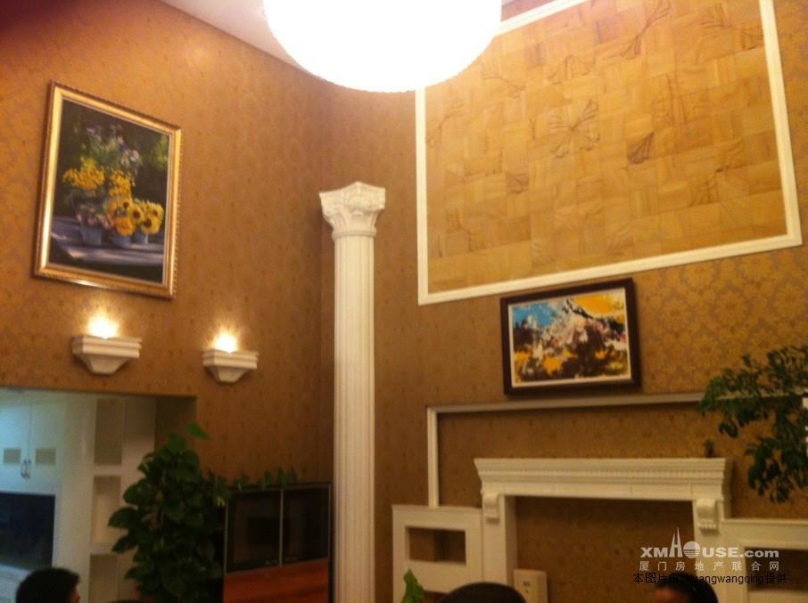 别墅式的楼中楼5房客厅挑空,高档装修,顶级物业管理