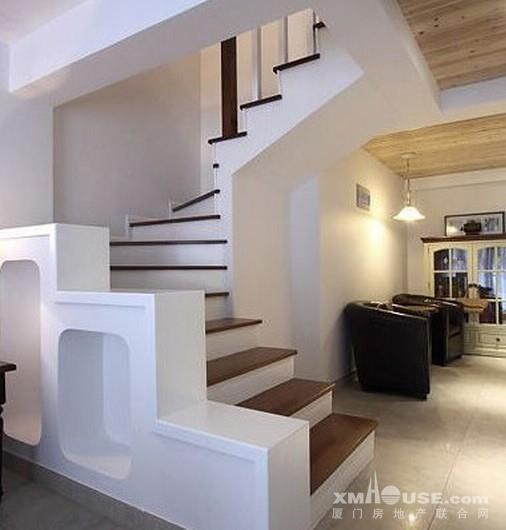 56 ㎡ · 特色单身公寓户型,实现餐厅,客厅,卧室等的自然分区