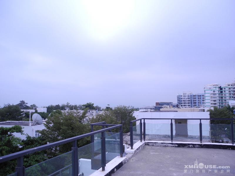 麦田认证房 阳光海岸独栋别墅 位置安静 超大花园