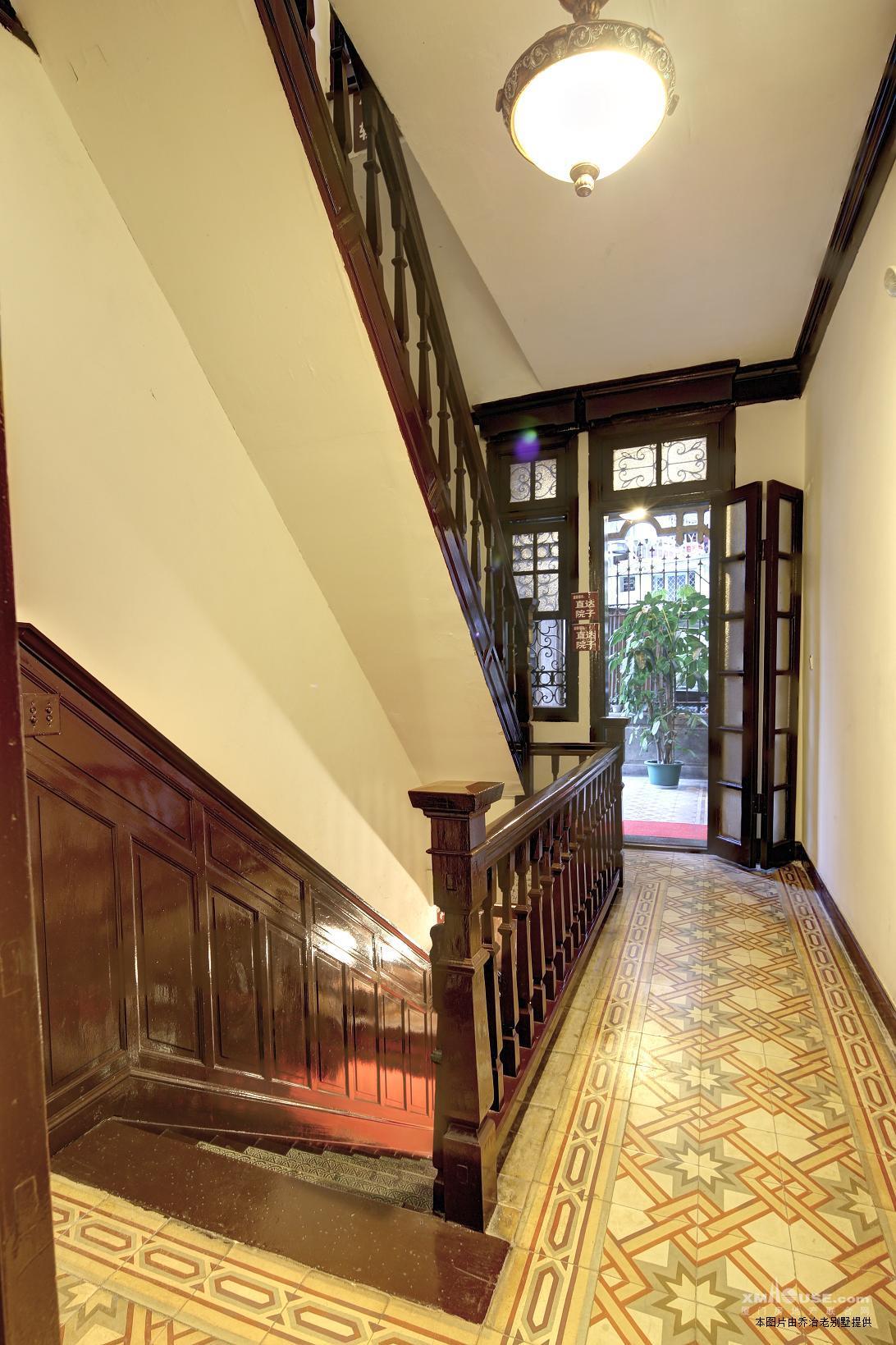 (图)欧式老别墅带装修家具电器转让或是出租