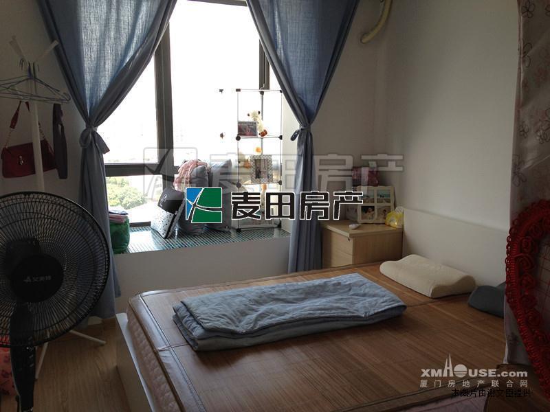 单身公寓可改两房