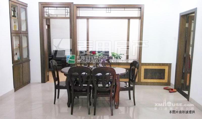 装修:楼层适中,赠送90万的中式复古装修,本周必卖.