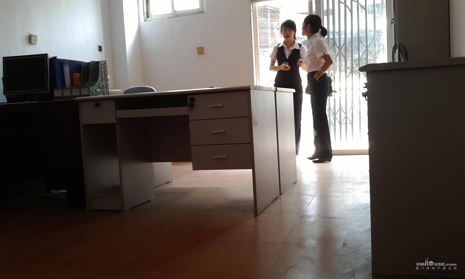 同安大唐世家二期店面出租(共3层80平)