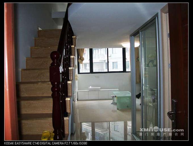 福隆国际3200元/月 65平米 1房 高档装修 迷你楼中楼