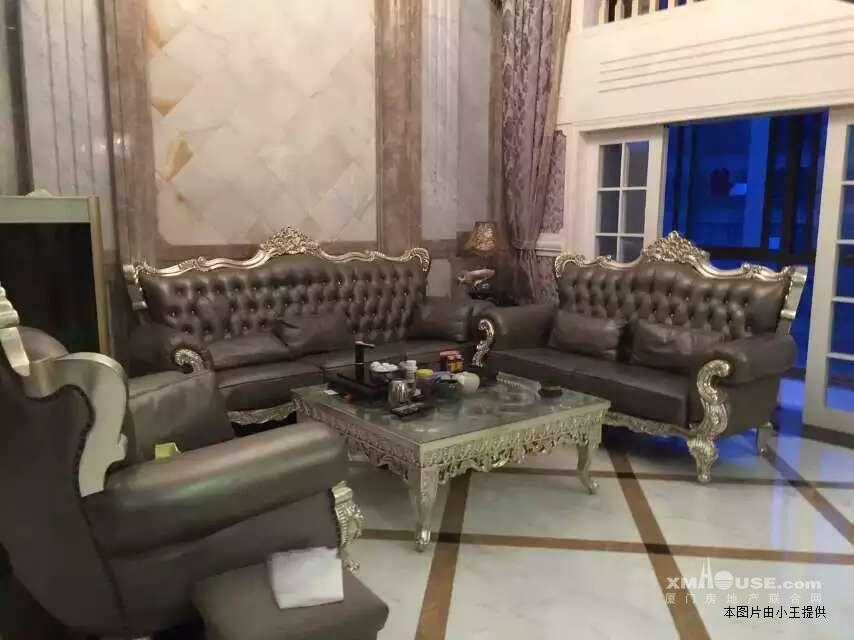 楼中楼客厅欧式沙发图片