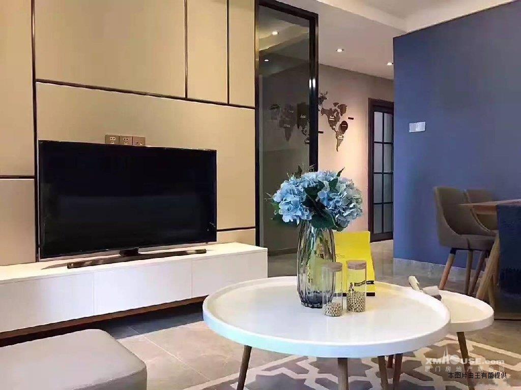 火车站 世贸国际 单身公寓 欧式豪华精装修 房屋出租