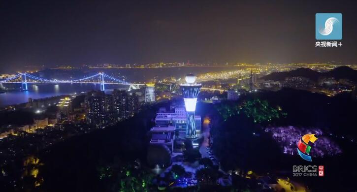航拍夜景 | 190秒看高颜值厦门璀璨绽放 美翻了